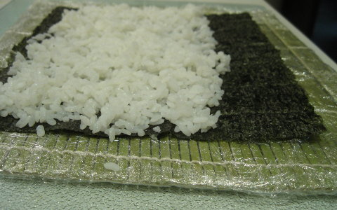 spread-the-rice-over-the-nori