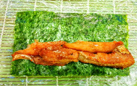 place-eel-on-nori